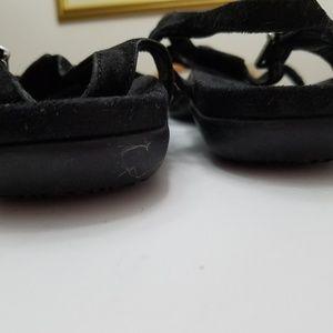 vonic Shoes - Black Vionic flat thong orthaheel sandals